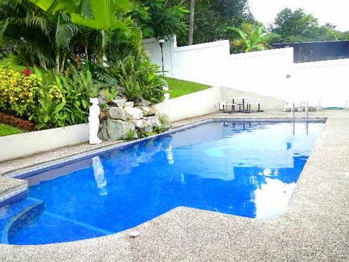 Costa rica si real estate propiedades residencial los for Construccion de piscinas en costa rica